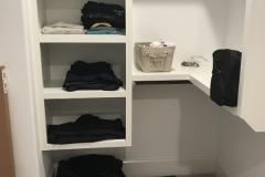 White closet before2